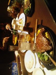 肉とパフェ